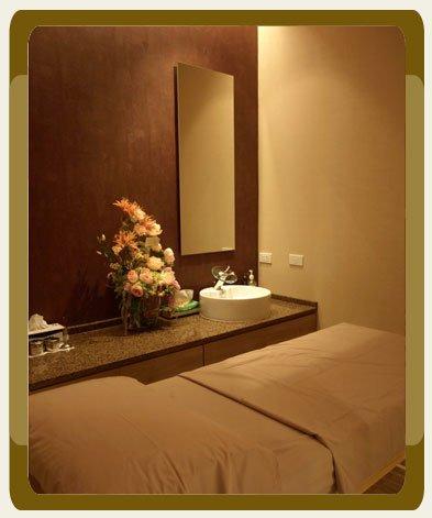 Comfortable Treatment Room at Nirunda Skin Clinic Center