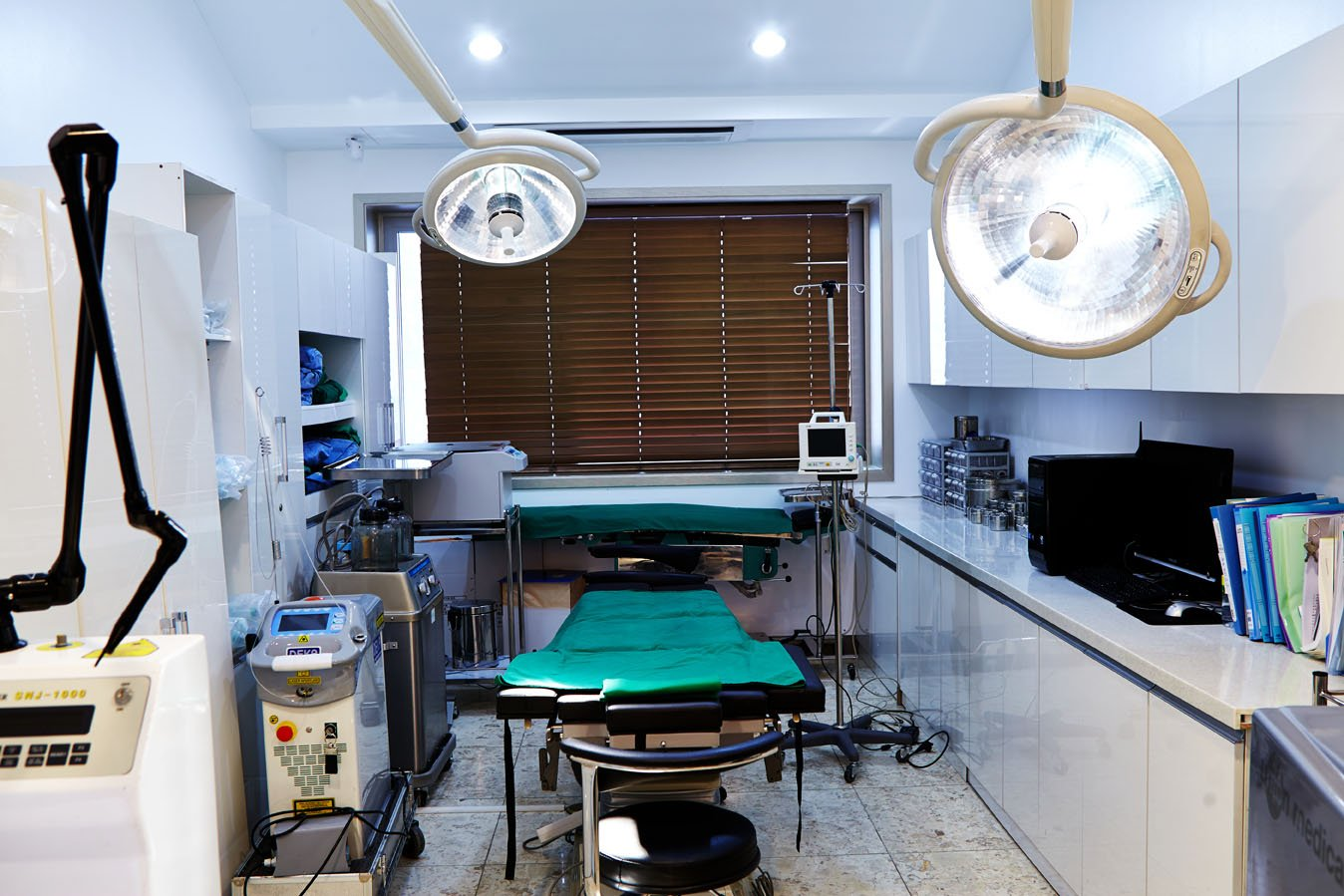 97.7 BnH Hospital Interior